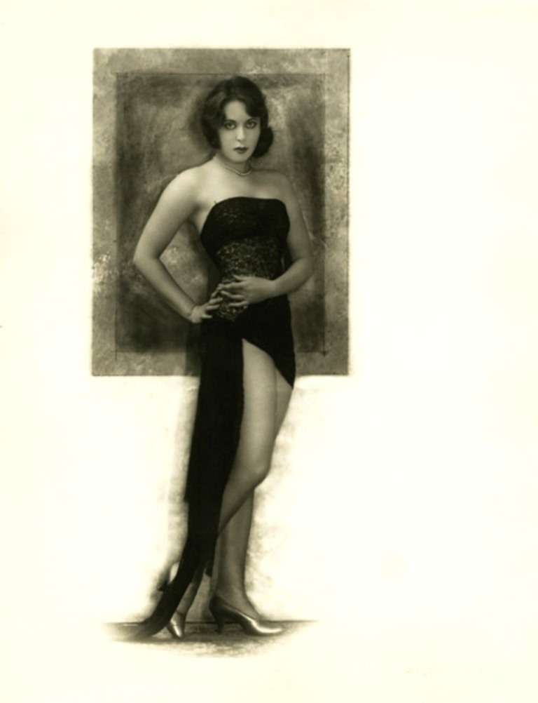john-de-mirjian-unknown-das-kleine-schwarze-model-1920s