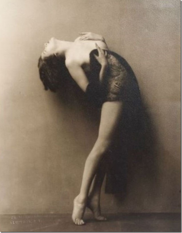 john-de-mirjian-showgirl-draped-1920