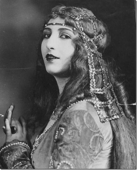elena-sangro-italien-actress
