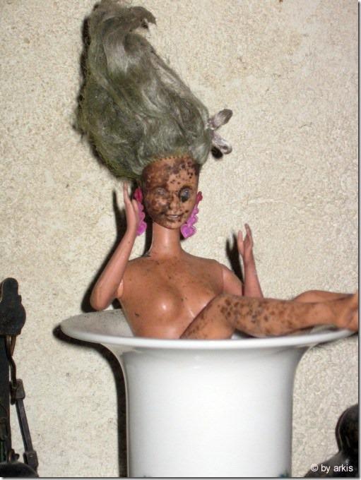 frankesteinsbraut-barbie-badet