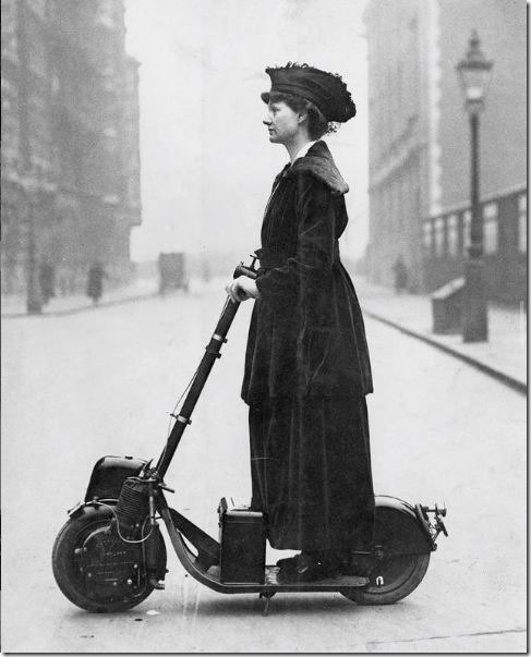 lady-florence-norman-on-a-motor-scooter-london-1916.