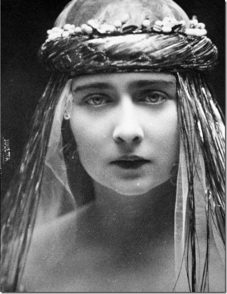 mignon-queen-marie-of-romania's-daughter-later-queen-of-yugoslavia