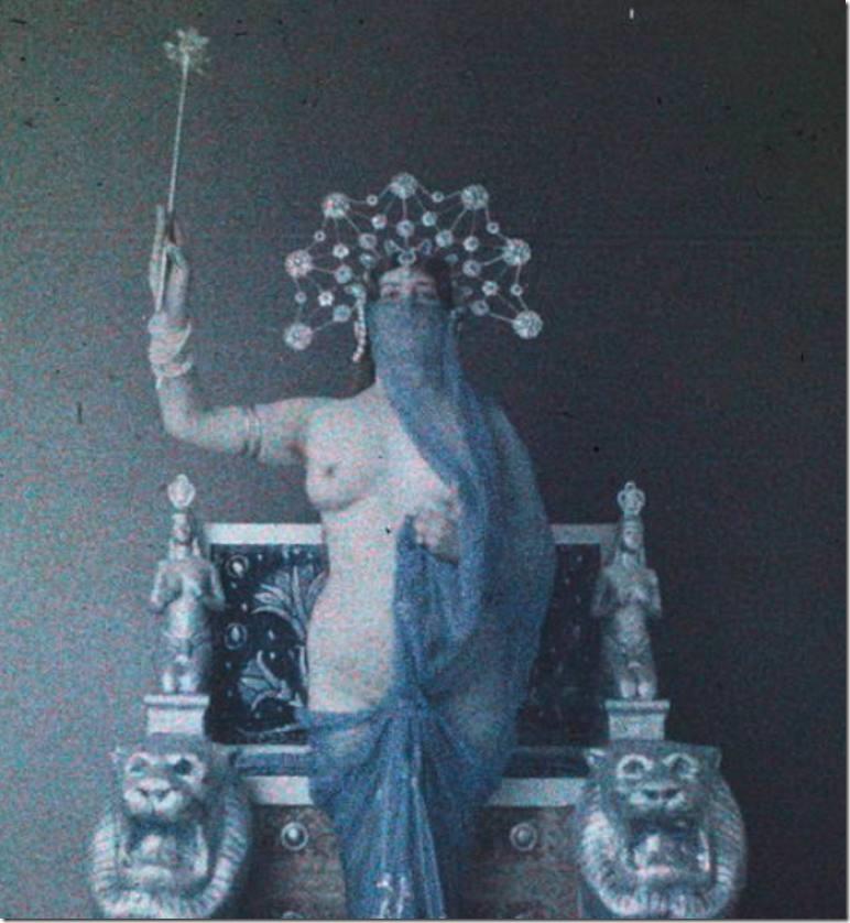 _anonyme-femme-nue-dans-un-1910